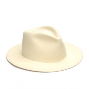 Hat Off White Triangle Wit