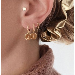 Earring initial gold
