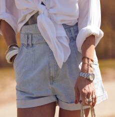 The OU.ster Club announces the Catch of the Day: Our shorts 'Rocky Shore' is BACK in Denim Ash